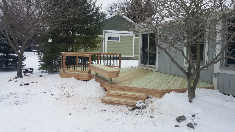 Wood Deck in White Lake - MGE Blog: Deck Specials, Company News & More | MGE Carpentry - 12806104_1013381645375211_7043645653211140674_n